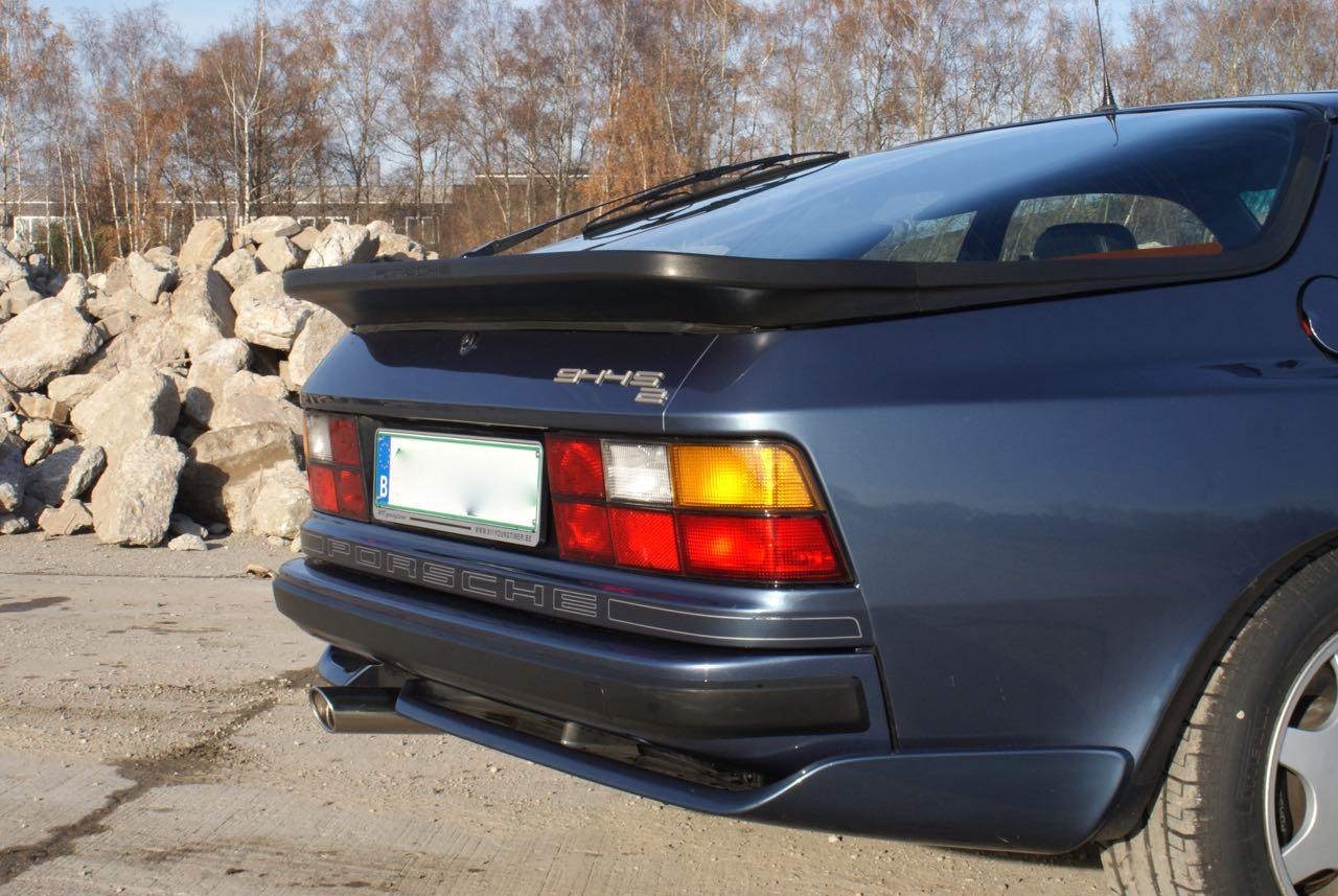 911-youngtimer-porsche-944-s2-dove-blue-metallic-1990-7-of-15