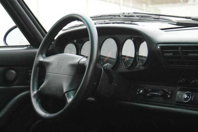911 youngtimer - Porsche 993 Carrera - Amarant Violet - 1994 - 15 of 15