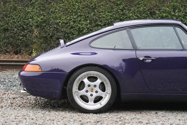 911 youngtimer - Porsche 993 Carrera - Amarant Violet - 1994 - 2 of 15