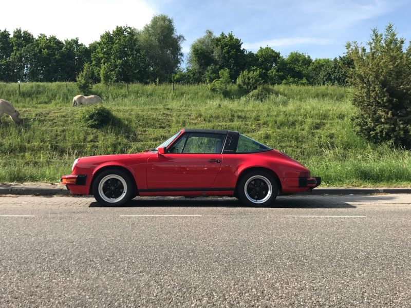 911 youngtimer - Porsche 911 Carrera targa - Guards red - 1987