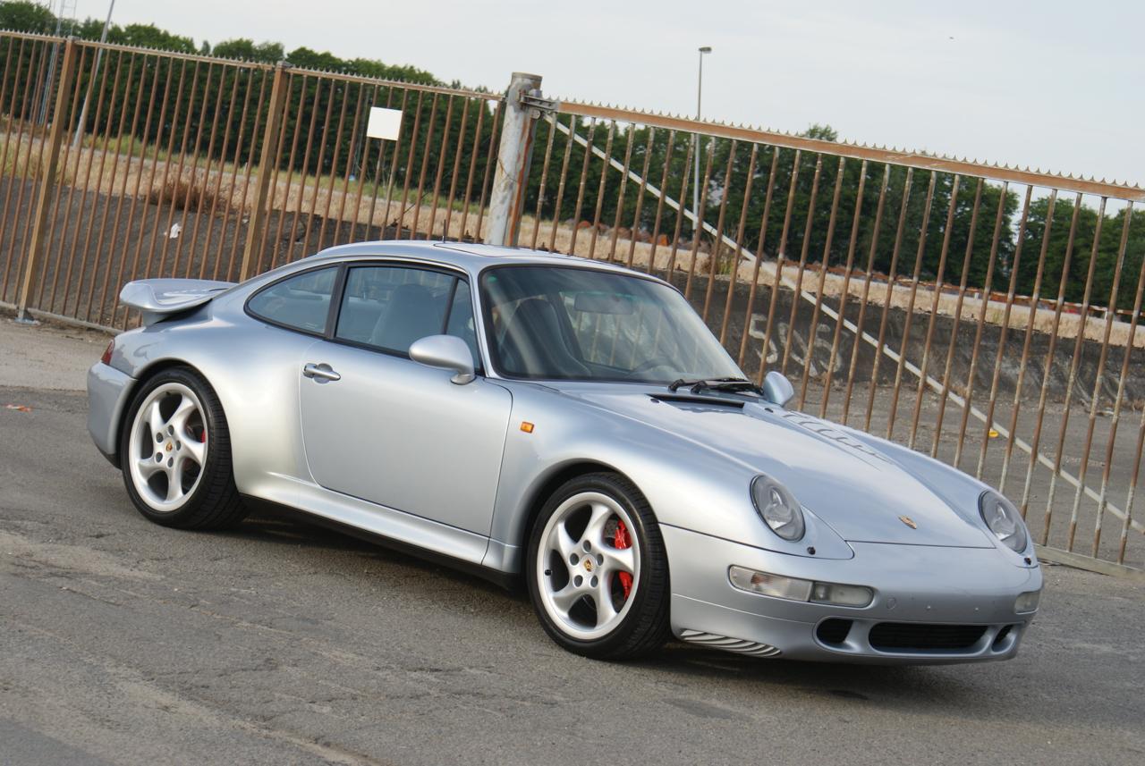 911-youngtimer-Porsche-993-turbo-Polar-silver-1997-5-of-15.jpg
