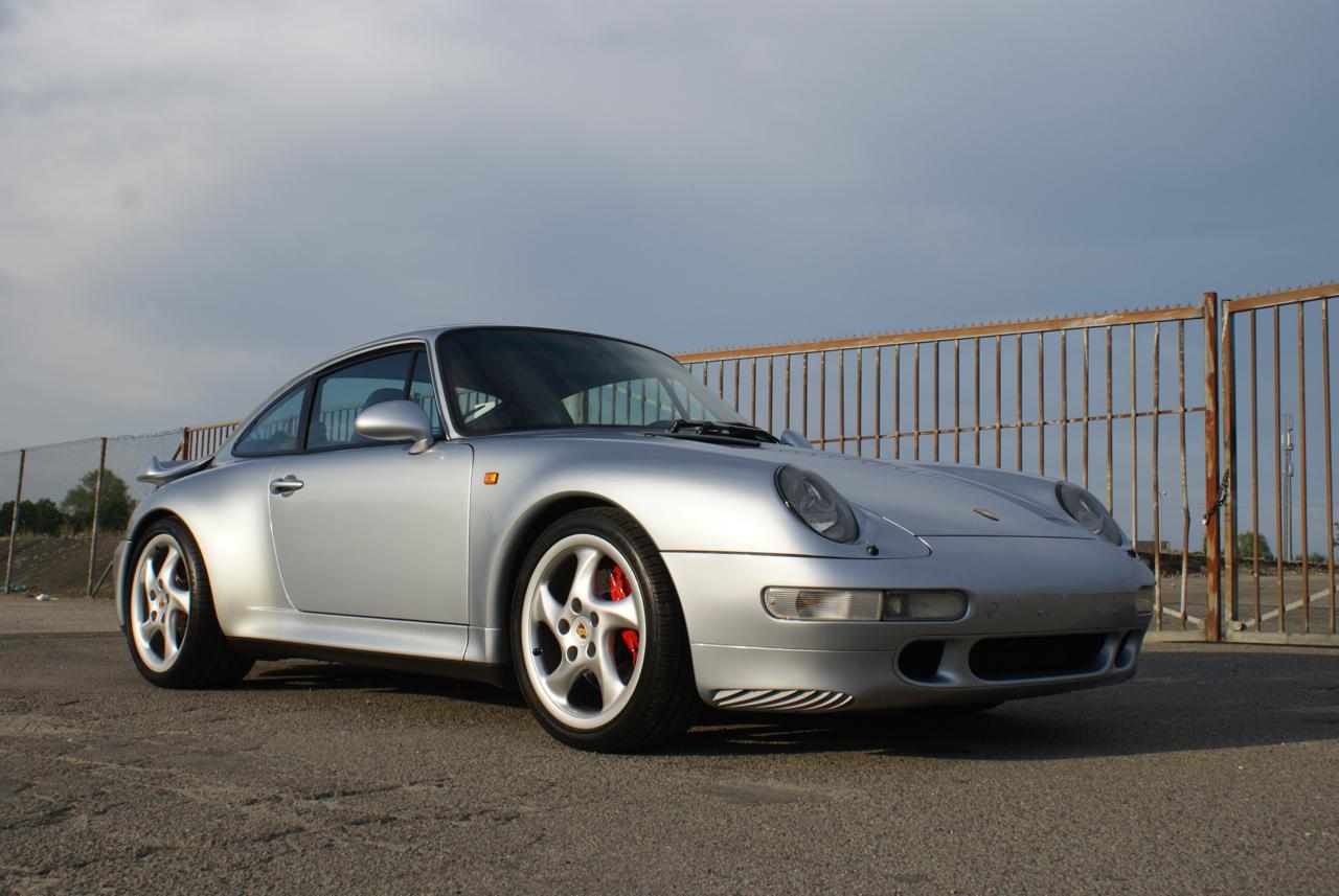 911-youngtimer-Porsche-993-turbo-Polar-silver-1997-6-of-15.jpg