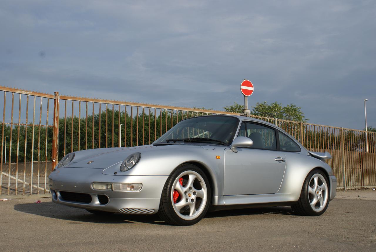 911-youngtimer-Porsche-993-turbo-Polar-silver-1997-7-of-15.jpg