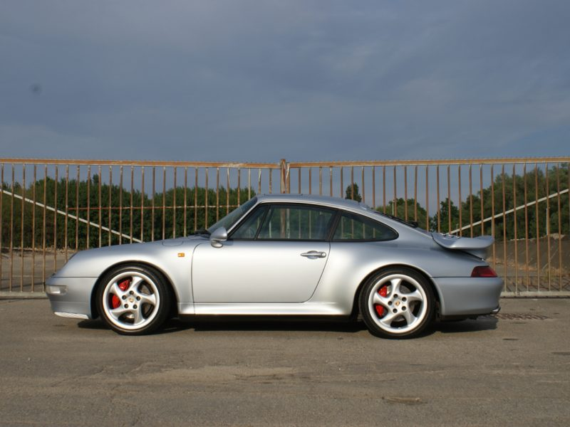 911-youngtimer-Porsche-993-turbo-Polar-silver-1997-8-of-15.jpg