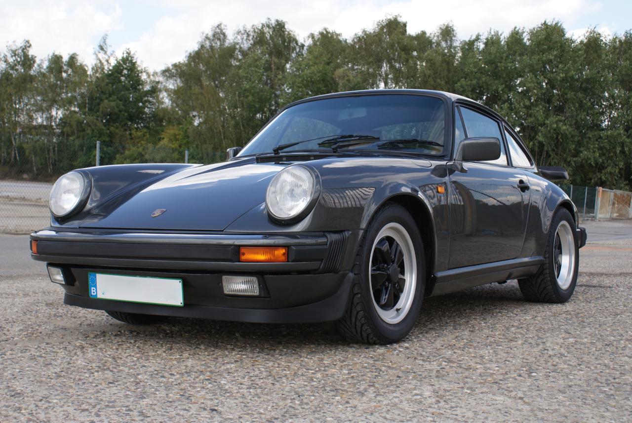911-youngtimer-Porsche-911-Carrera-Slate-Cashmere-1989-6-of-15