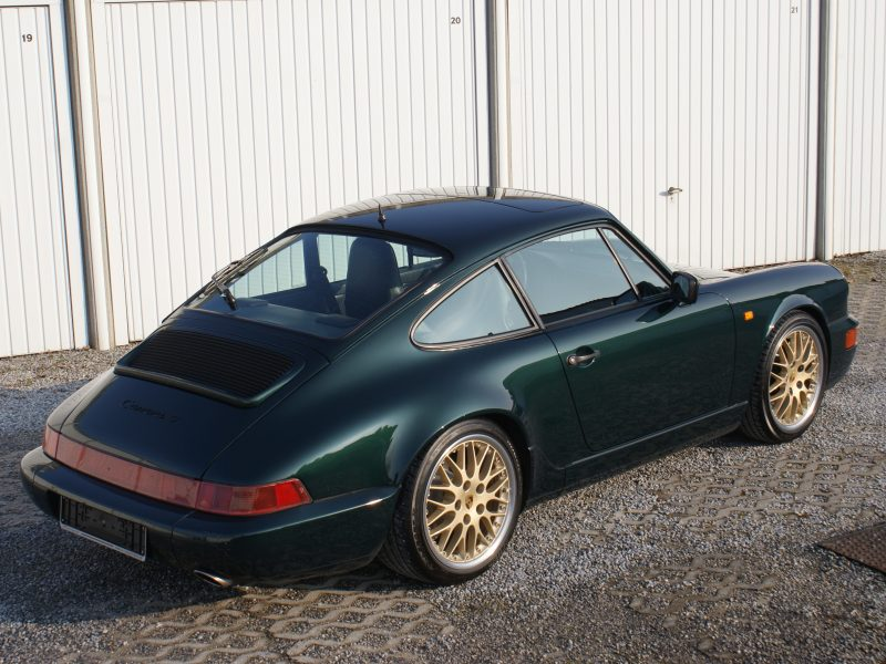 911 youngtimer - Porsche 964 Carrera 4 - Forest Green - 1989