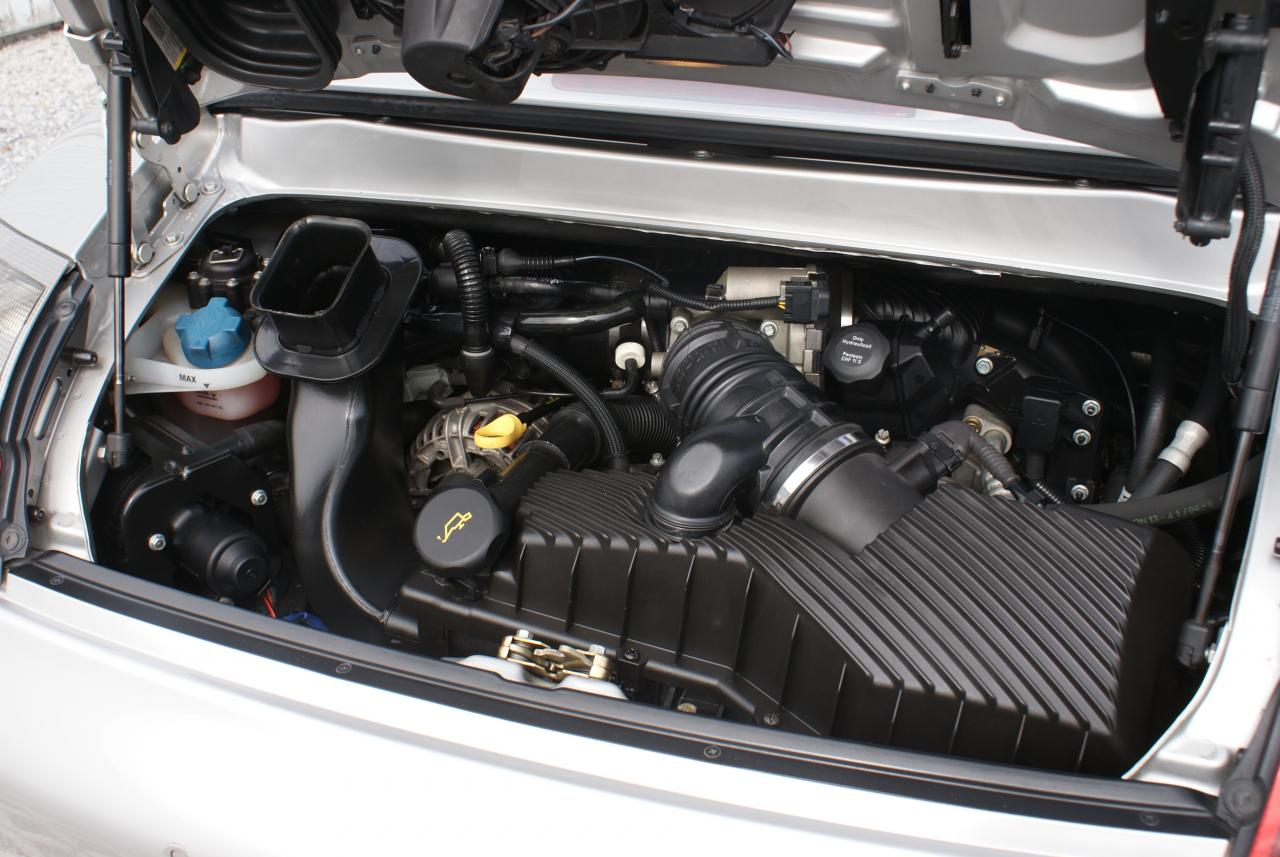 911 youngtimer - Porsche 996 C4S - Arctic - 2005 - 15 of 15 (1)