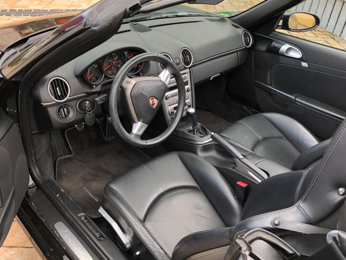 911 youngtimer - Porsche 987 Boxster - Basalt Black - 2007 - 2 of 2
