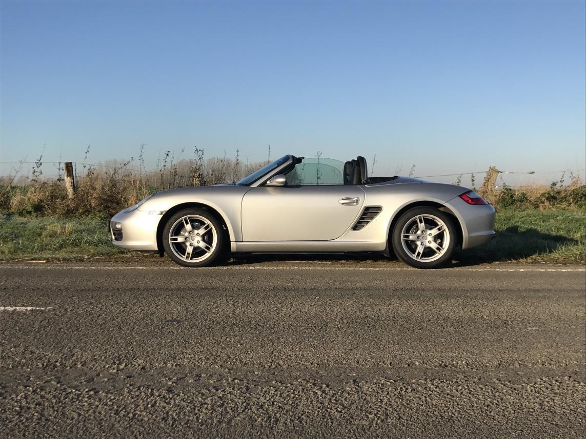 911 youngtimer - Porsche 987 Boxster - argent Arctic - 2005 - 2 of 3