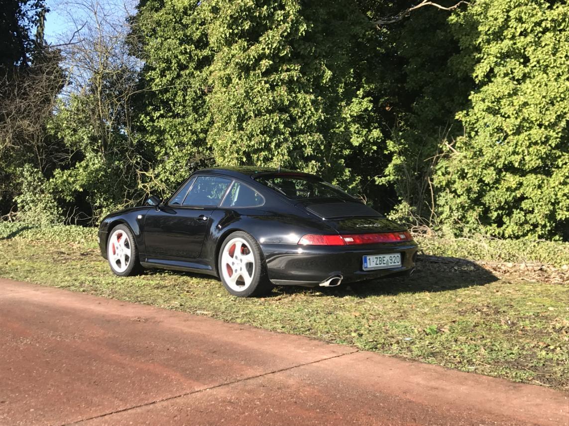 911 youngtimer - Porsche 993 Carrera 4S - Black - 1996 - 2 of 2
