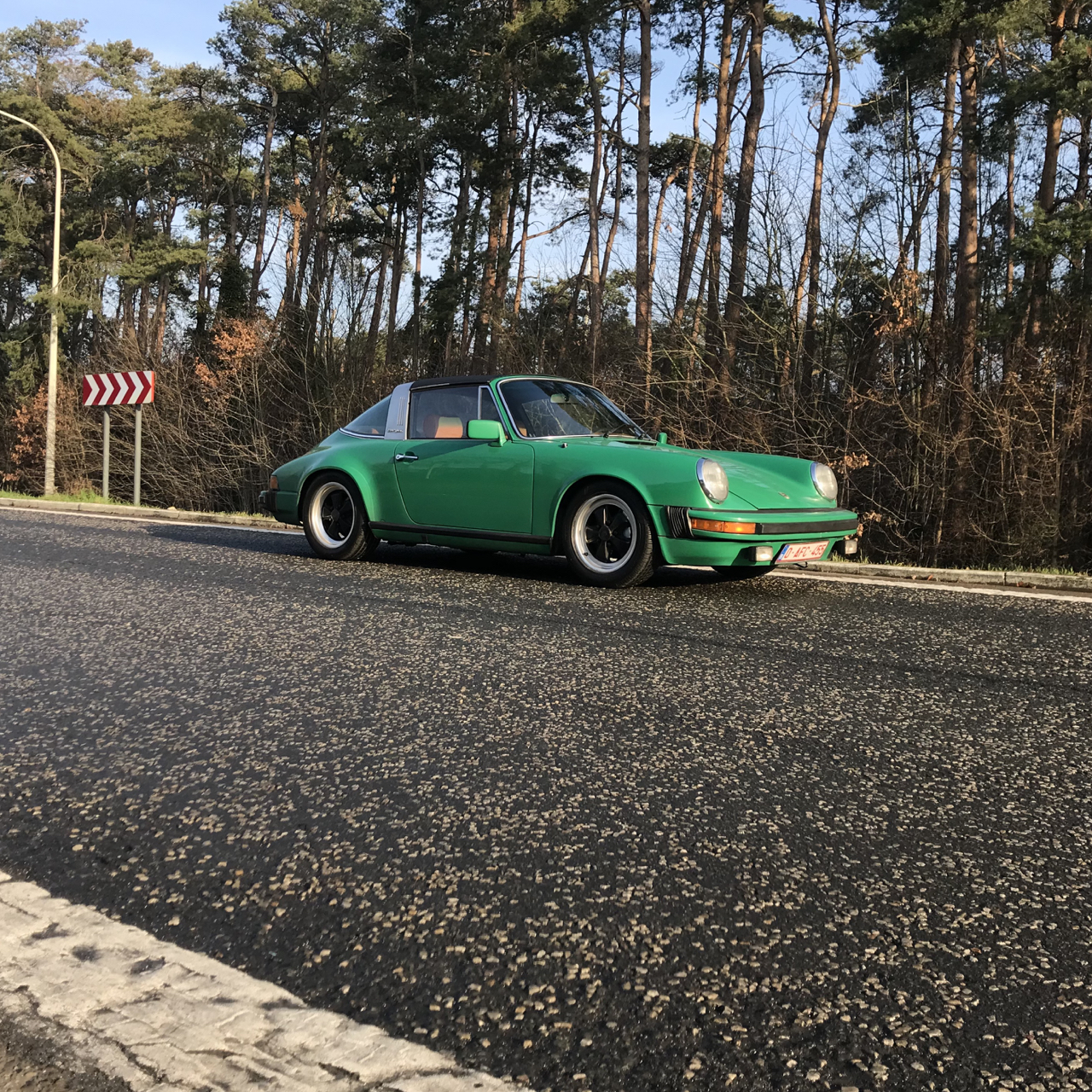 youngtimer.one - Porsche 911 SC targa - Fern Green - 1978 - 1 of 2