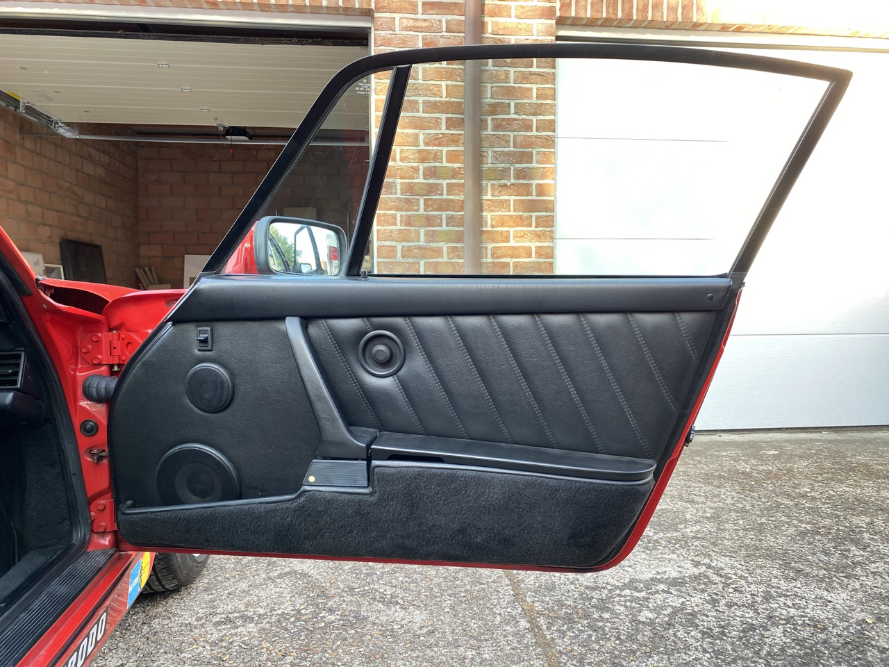 youngtimer.one - Porsche 964 Carrera 4 - Guards Red - 1989 - 13 of 20
