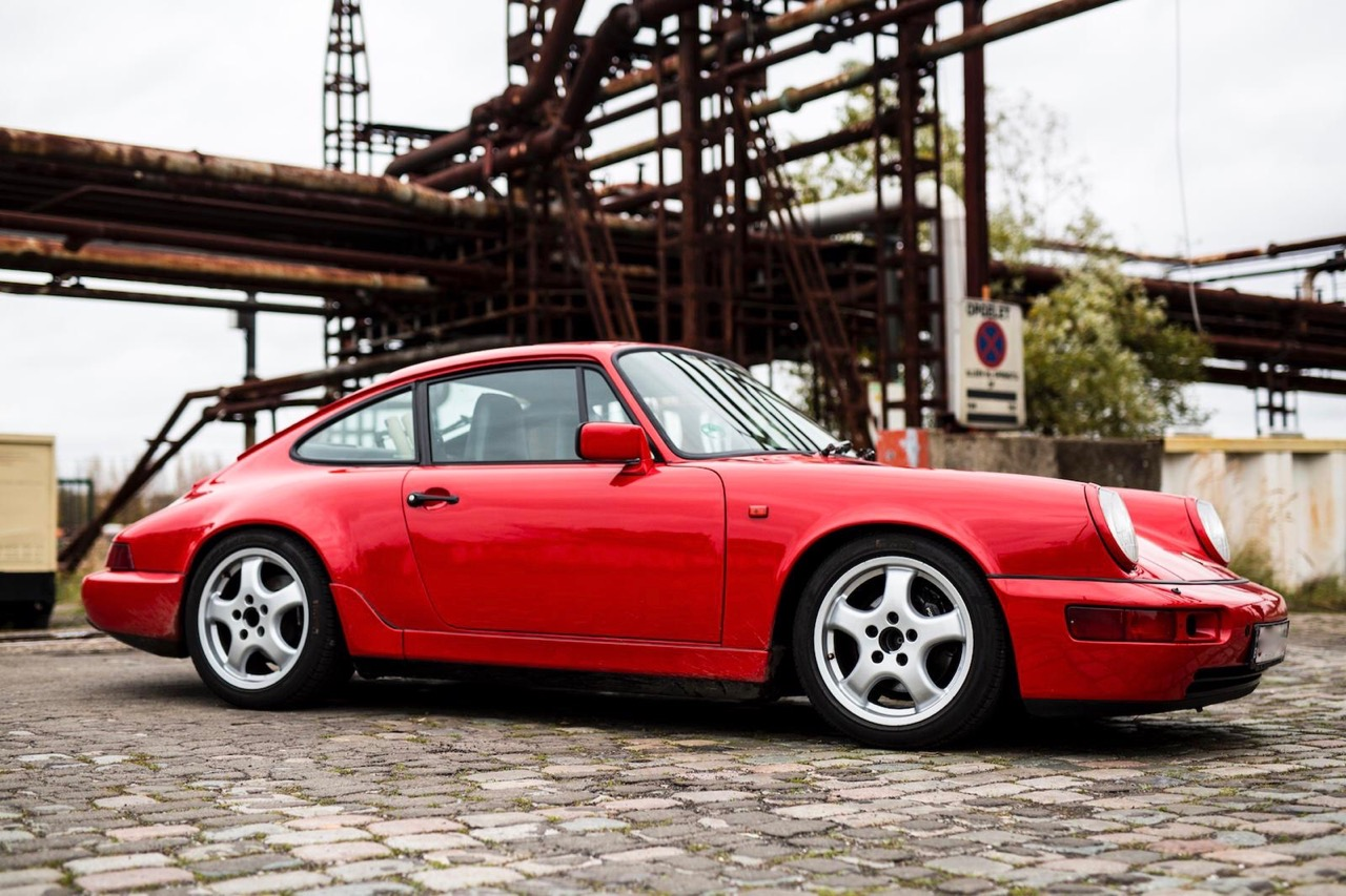 youngtimer.one - Porsche 964 Carrera 4 - Guards Red - 1989 - 18 of 20
