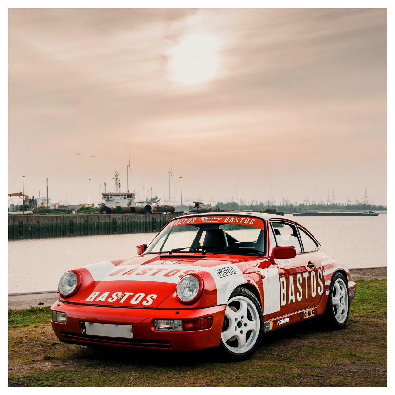 youngtimer.one - Porsche 964 Carrera 4 - Guards Red - 1989 - 3 of 20