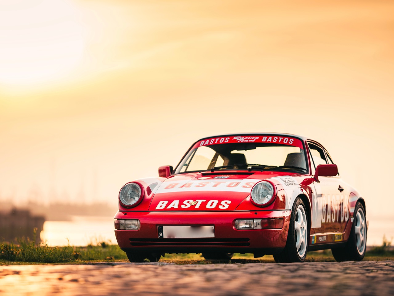 youngtimer.one - Porsche 964 Carrera 4 - Guards Red - 1989 - 5 of 20