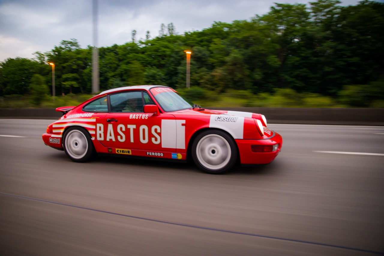 youngtimer.one - Porsche 964 Carrera 4 - Guards Red - 1989 - 7 of 20