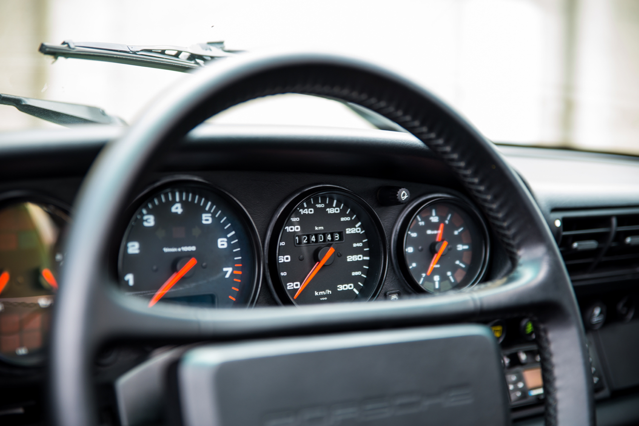 youngtimer.one - Porsche 964 Carrera 2 - Midnight Blue - 1991 - 14 of 16