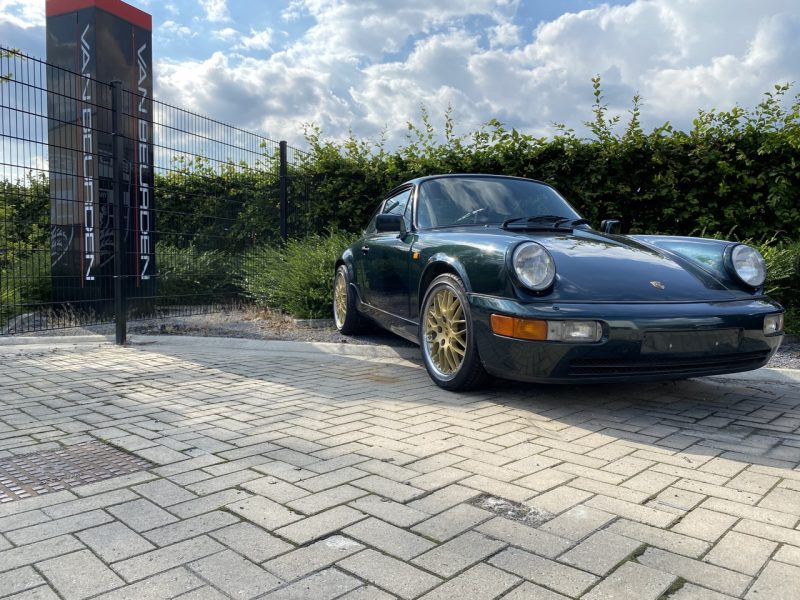 youngtimer.one - Porsche 964 Carrera 4 - Forest Green - 1990 - 1 of 3