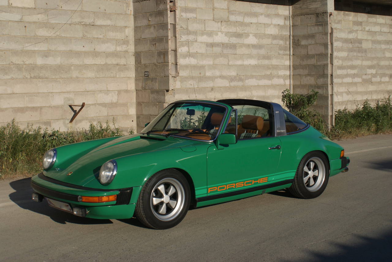 youngtimer.one-Porsche-911-SC-targa-Fern-Green-1978-1-of-21