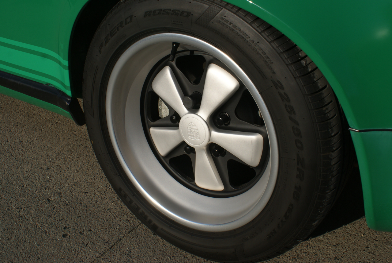 youngtimer.one - Porsche 911 SC targa - Fern Green - 1978 - 13 of 21