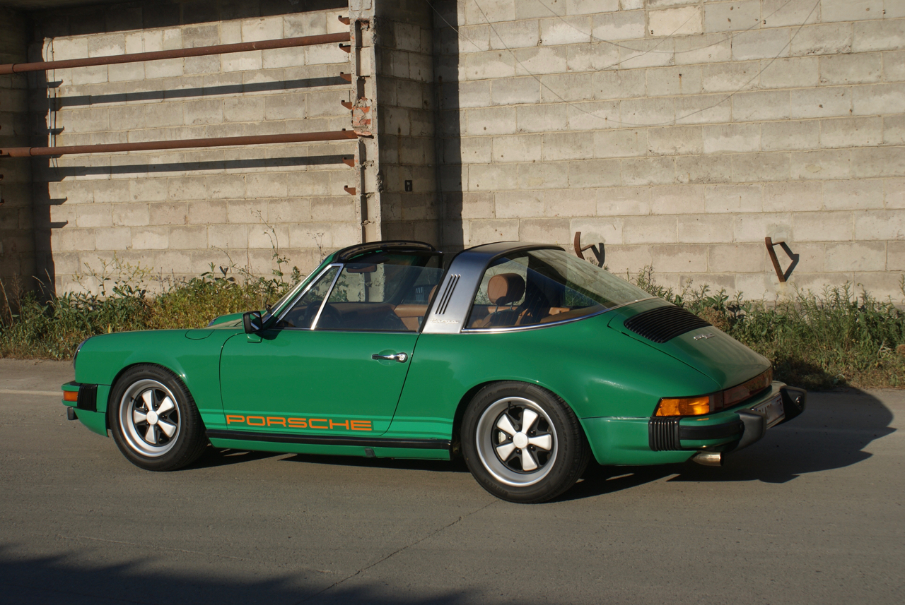 youngtimer.one-Porsche-911-SC-targa-Fern-Green-1978-3-of-21