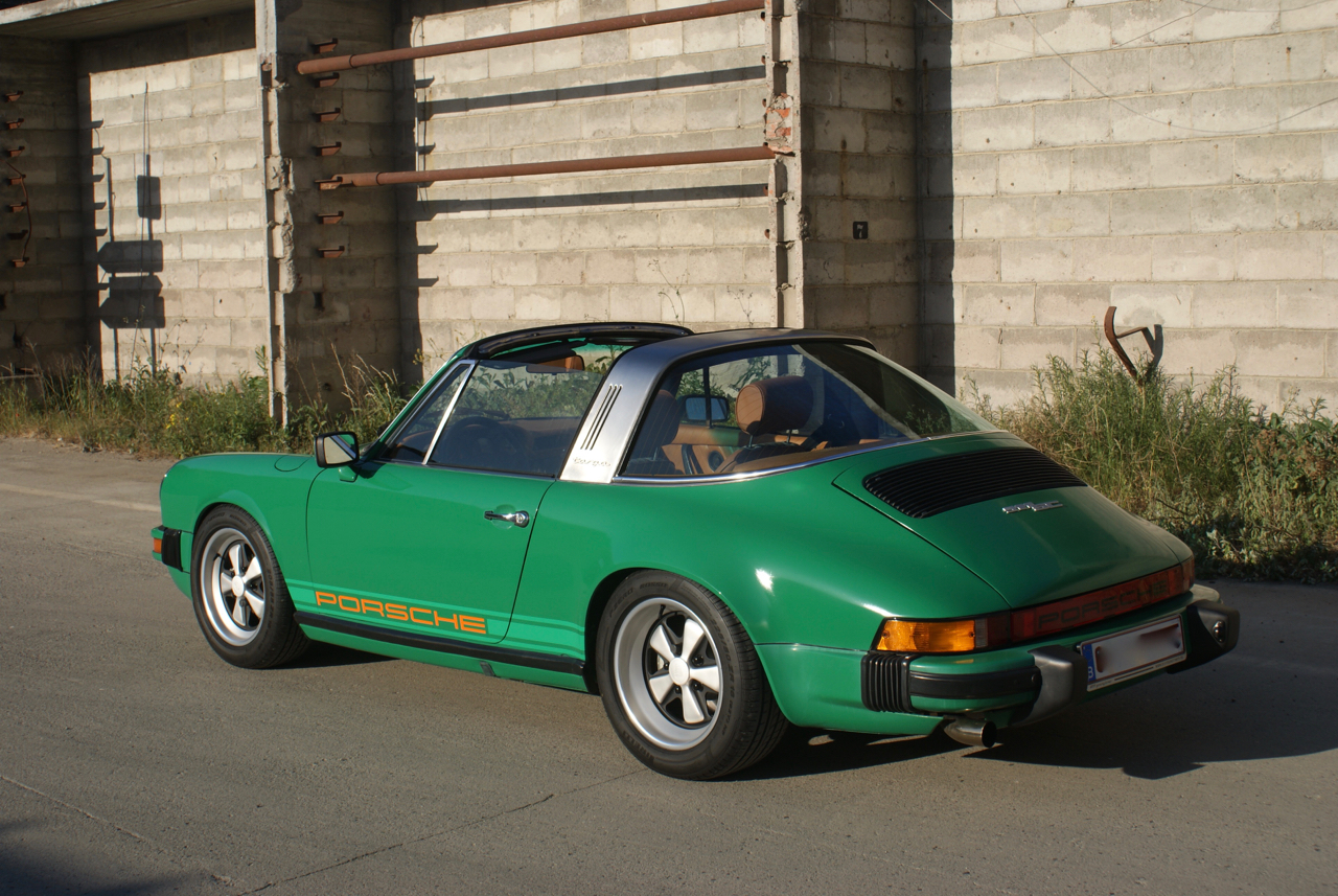youngtimer.one - Porsche 911 SC targa - Fern Green - 1978 -  4 of 21