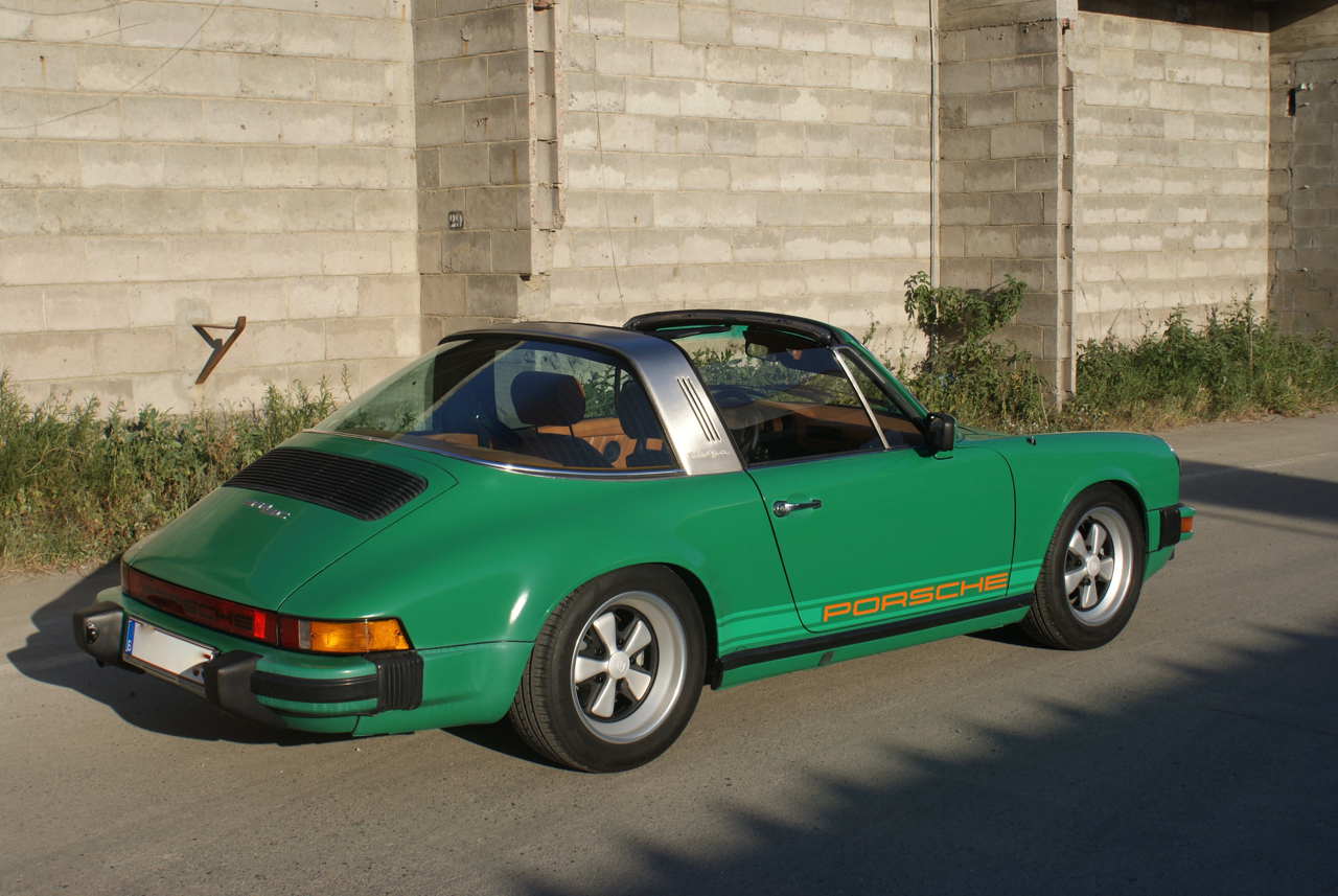 youngtimer.one - Porsche 911 SC targa - Fern Green - 1978 - 7 of 21