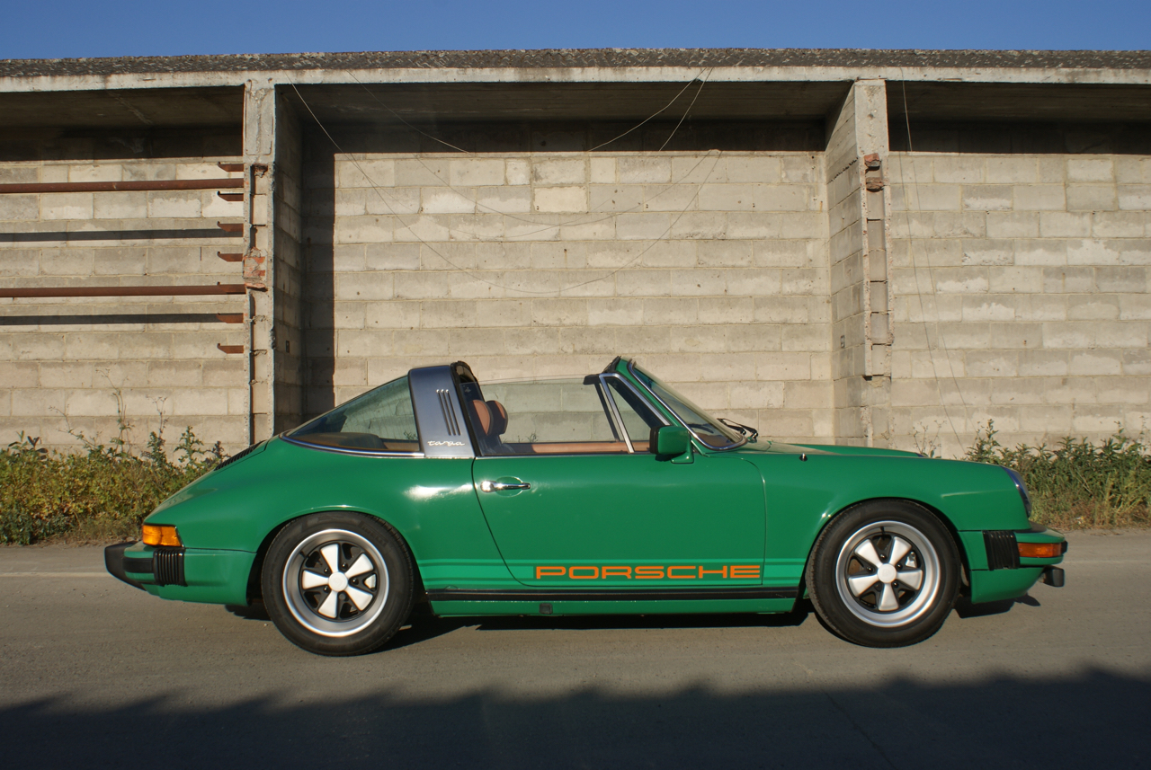 youngtimer.one - Porsche 911 SC targa - Fern Green - 1978 - 8 of 21