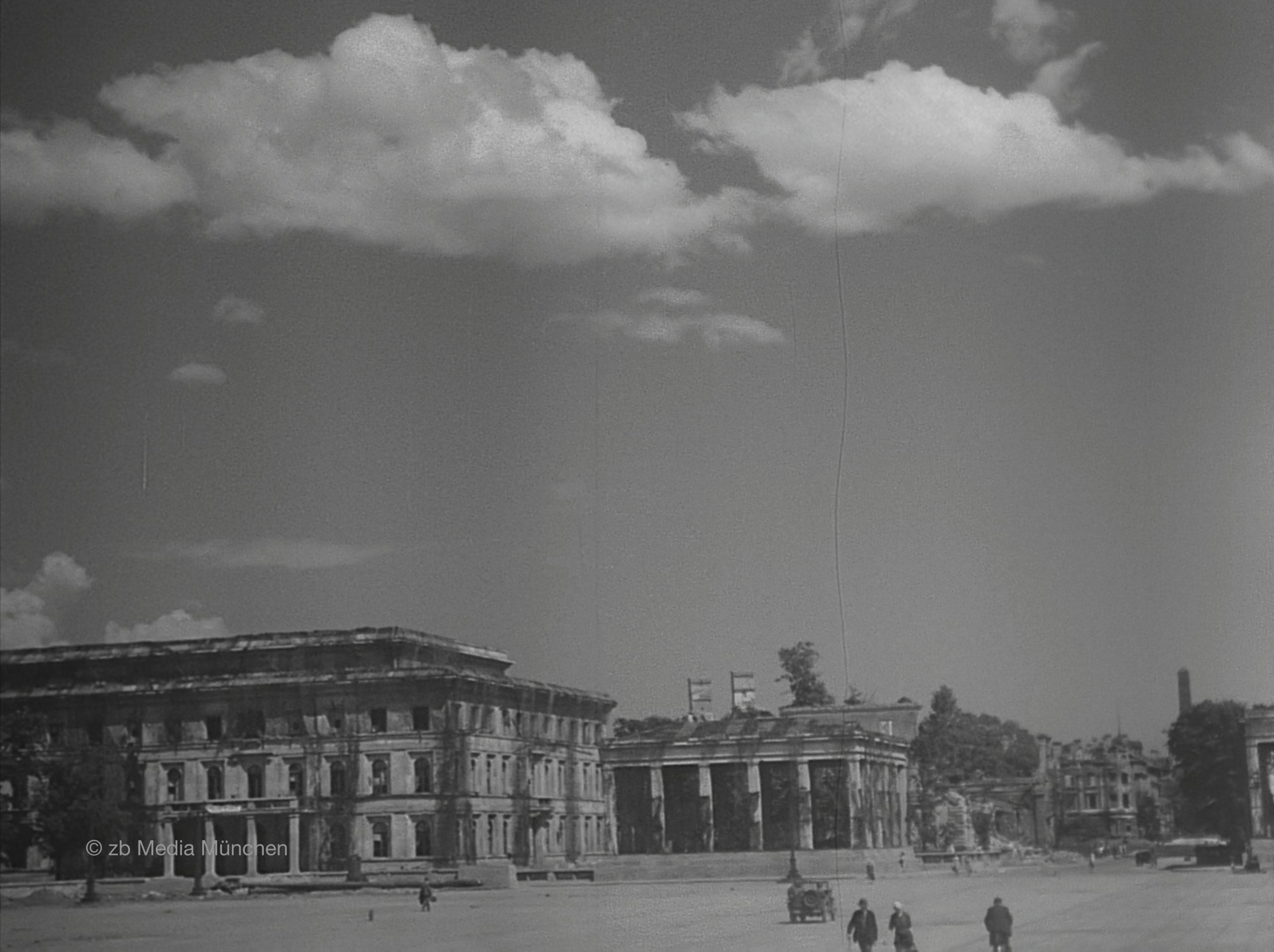 Arcisstrasse, Führerbau, München 5. Mai 1945