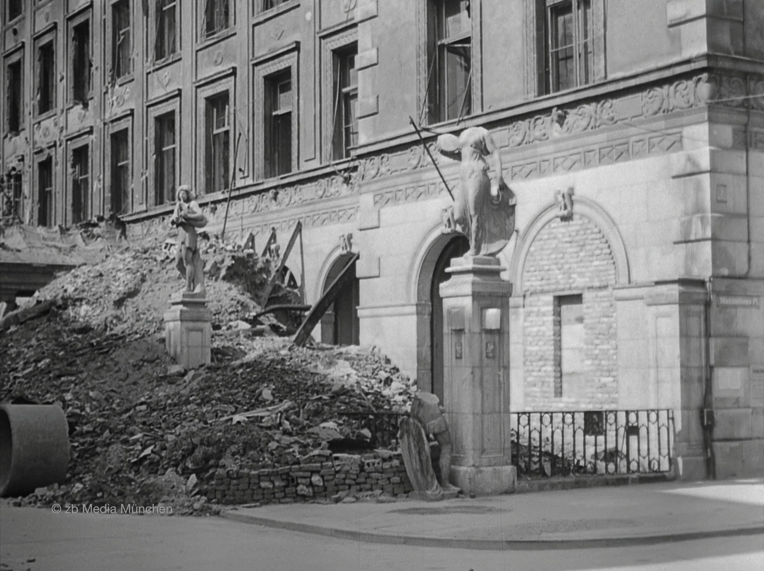 Residenz, München 5. Mai 1945
