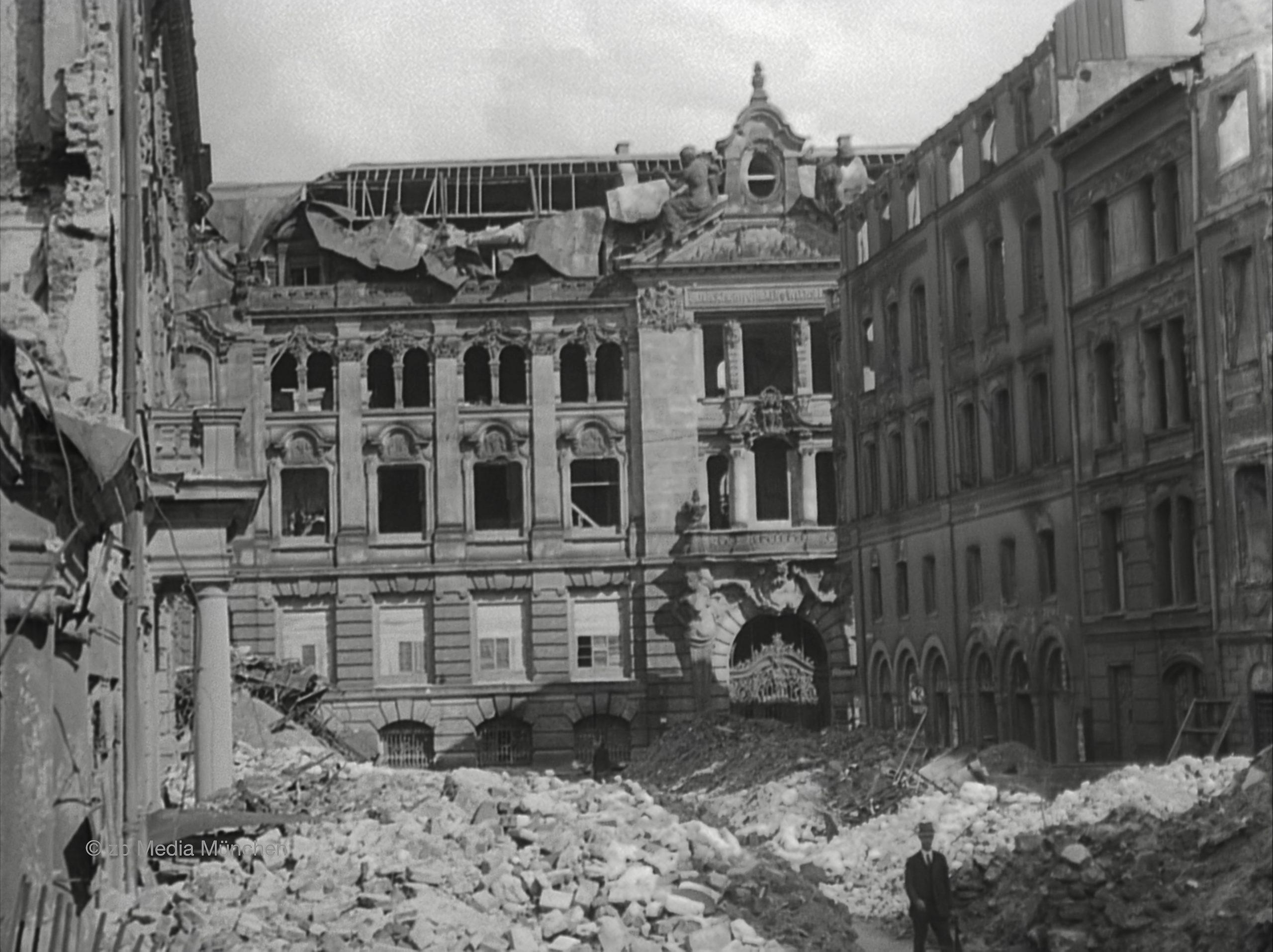 Residenz, Brunnenhof, München 5. Mai 1945