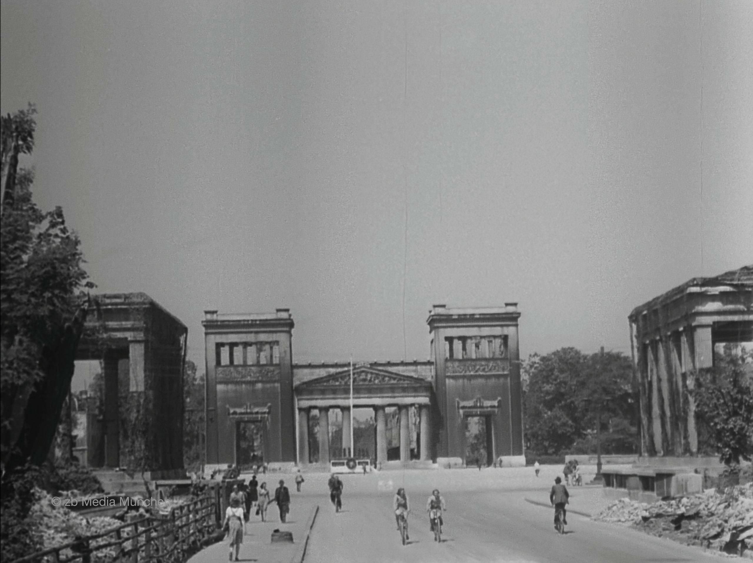 Königsplatz mit Propyläen, München