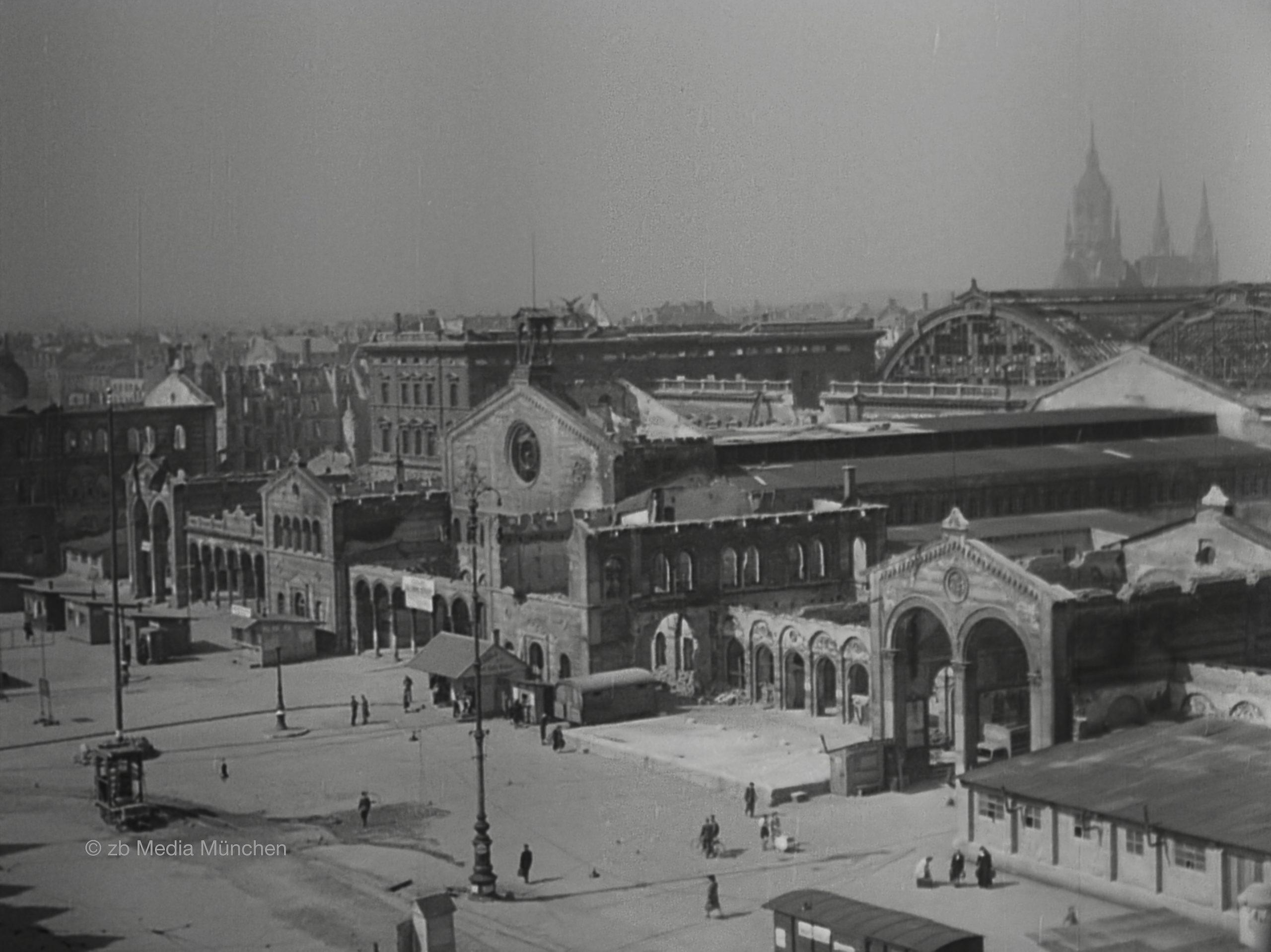 Hauptbahnhof München im Mai 1945