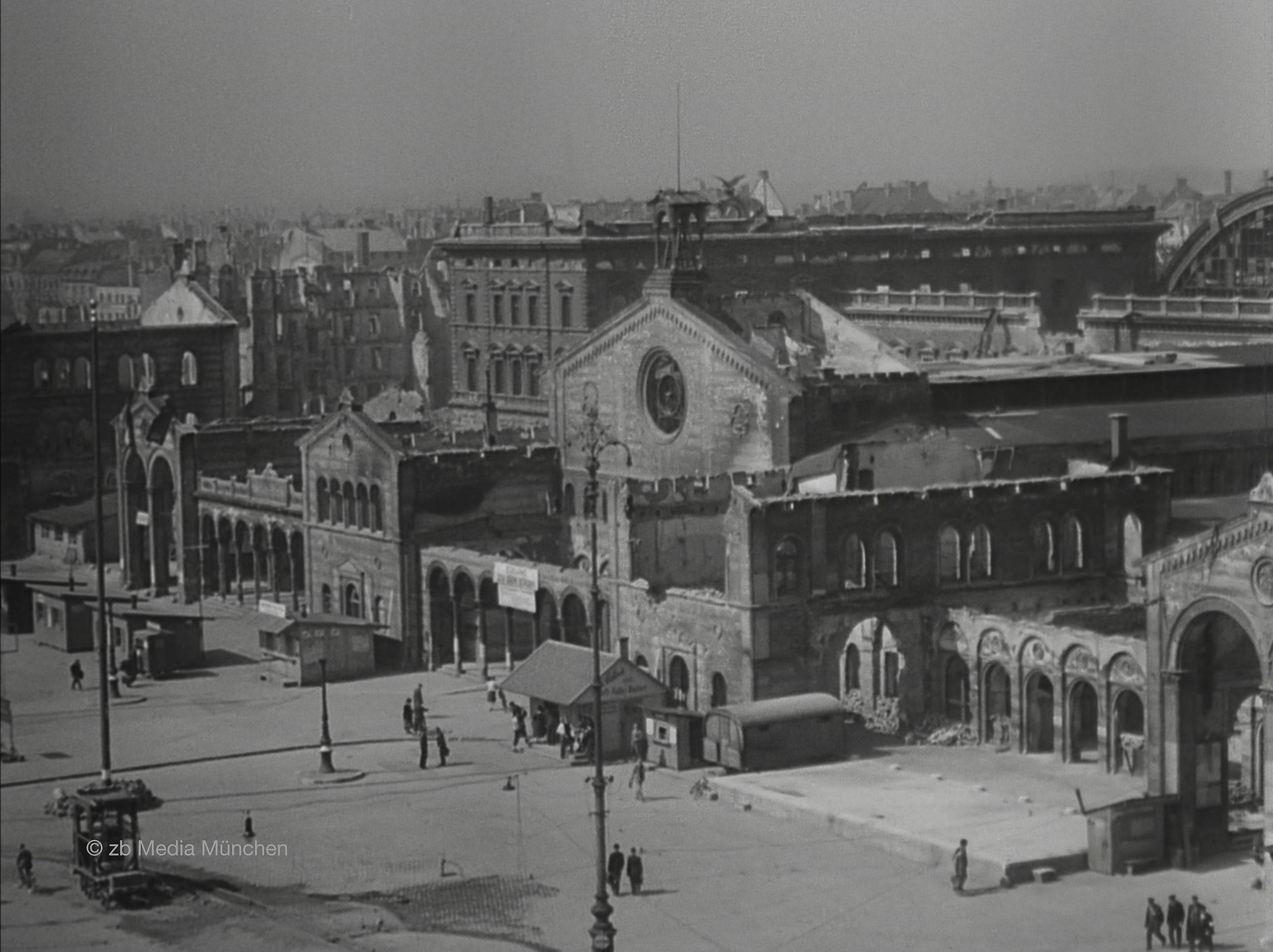 Der Hauptbahnhof München im Mai 1945