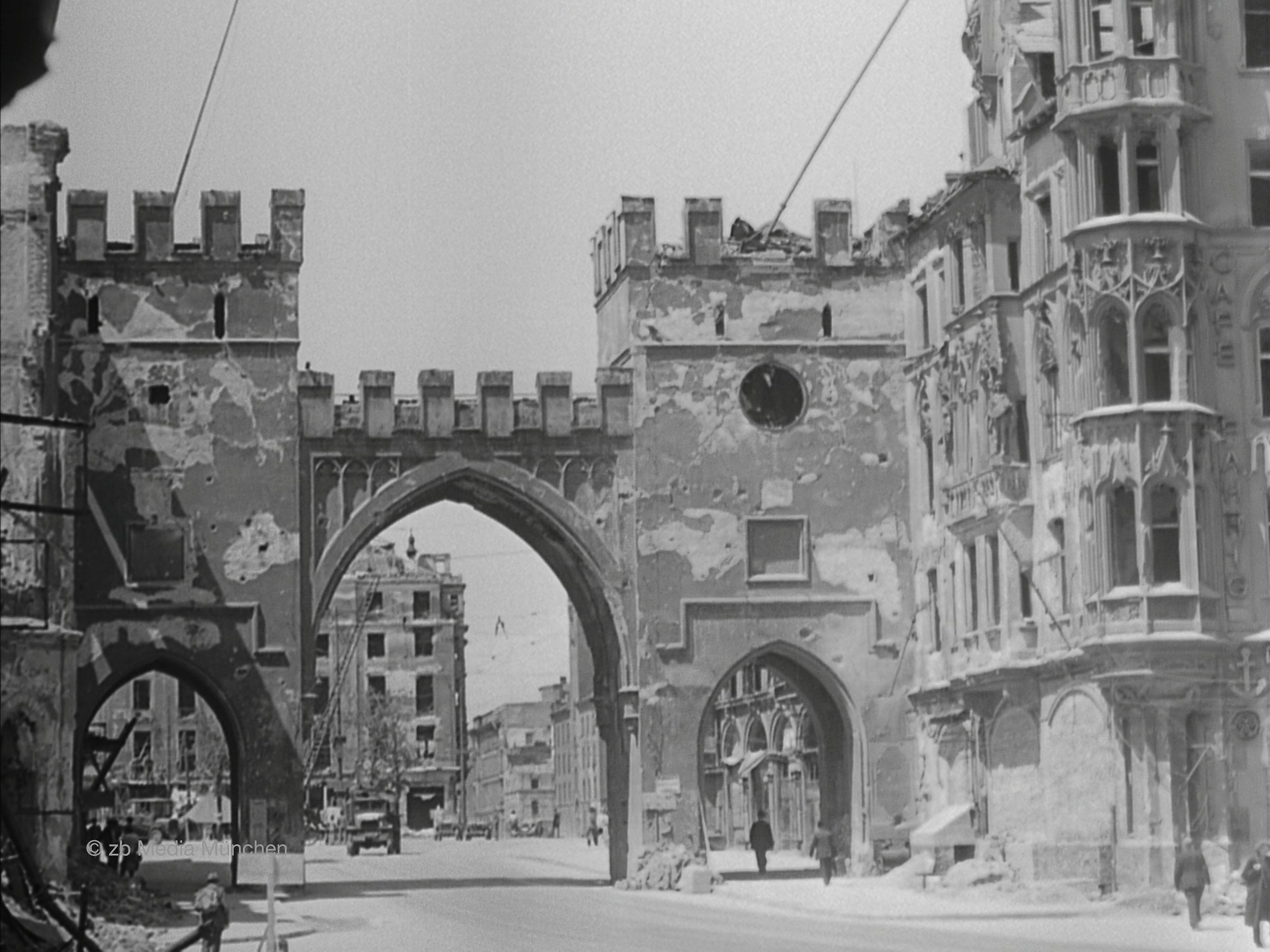 Karlstor München Mai 1945