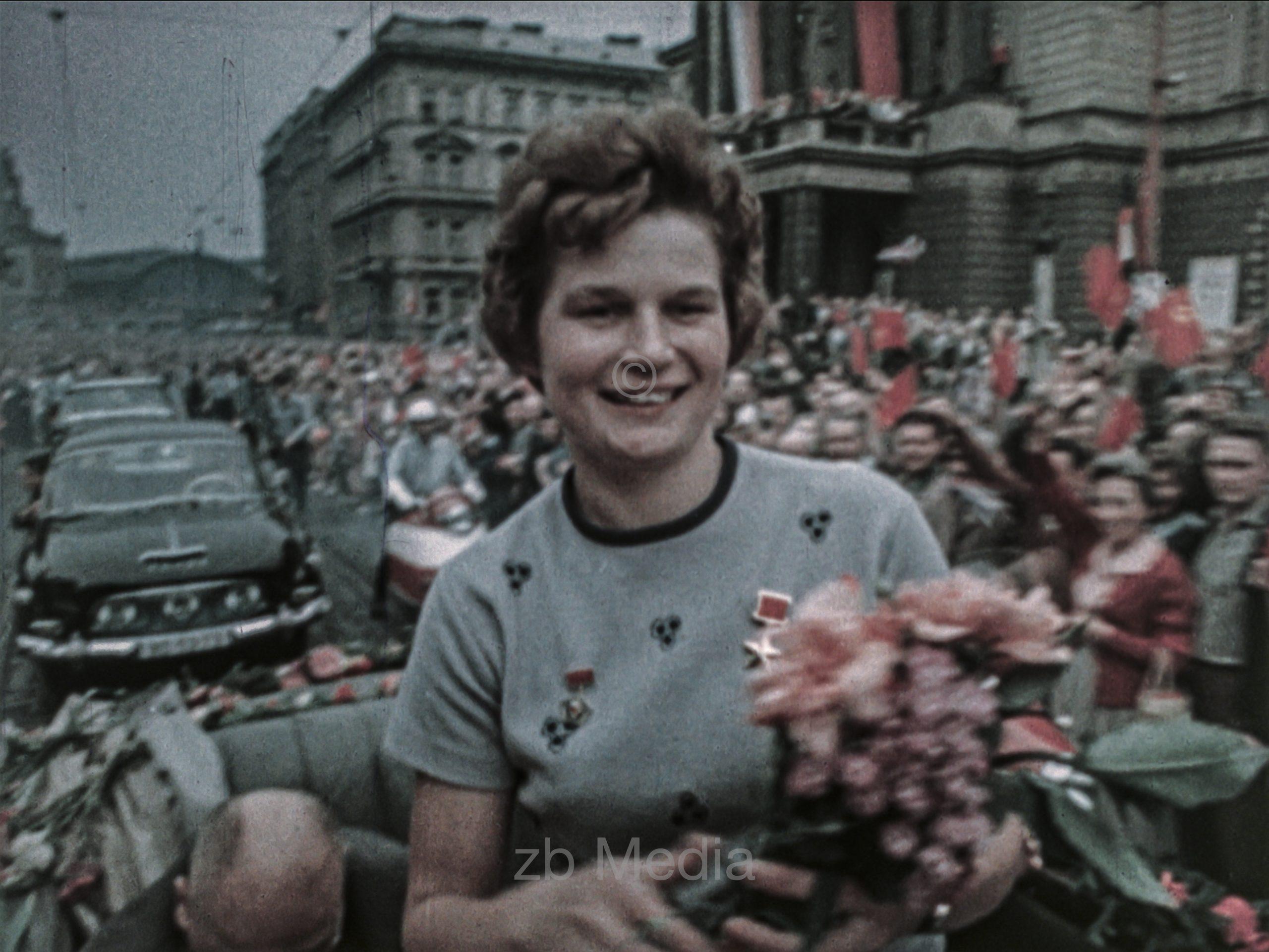 Kosmosbegeisterung bei Vostok Raumflug von Valentina Tereschkowa