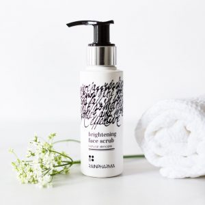 Rainpharma brightening face scrub