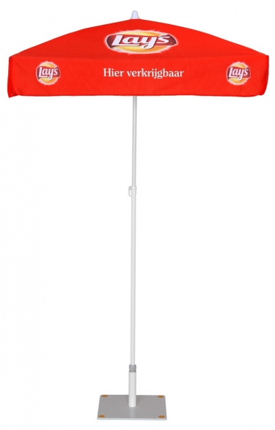Strandparasol med logo_Lays_Ziwes Eye-Catching